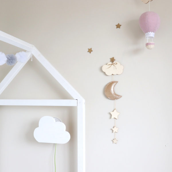 baby room wall hanging
